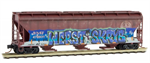 094 44 450 Weathered Graffiti 3 bay Covered Hopper - BNSF 'Christmas'